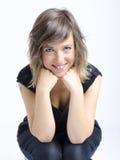 Jovem mulher agradável real na expressão engraçada imagens de stock royalty free
