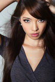Jovem mulher asiática bonita com pele sem falhas fotos de stock royalty free
