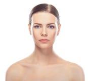 Jovem mulher bonita com cara saudável e pele limpa imagens de stock