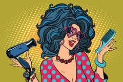Jovem mulher bonita com ferramentas do barbeiro ilustração royalty free