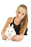 Jovem mulher bonita com seu coelho imagem de stock