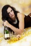 Jovem mulher bonita que partying com champanhe Imagem de Stock