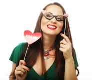 Jovem mulher brincalhão pronta para o partido Foto de Stock Royalty Free