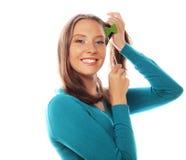 Jovem mulher brincalhão pronta para o partido Fotos de Stock