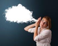 Jovem mulher com bolha moderna abstrata do discurso Foto de Stock