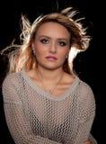 Jovem mulher com cabelo fotografia de stock