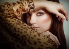 Jovem mulher com composição Fotos de Stock Royalty Free