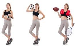 A jovem mulher com futebol, bola de rugby, luvas de encaixotamento e raquete de t?nis foto de stock
