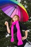 Jovem mulher com guarda-chuva multicolorido Fotografia de Stock