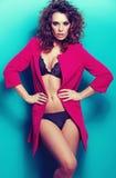 Jovem mulher com roupa interior 'sexy' Imagens de Stock Royalty Free