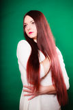 Jovem mulher da beleza no cabelo longo reto imagem de stock