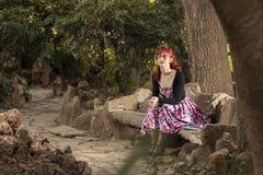 Jovem mulher do Pinup na roupa do estilo do vintage Fotografia de Stock