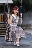 Jovem mulher do Pinup na roupa do estilo do vintage Imagem de Stock Royalty Free