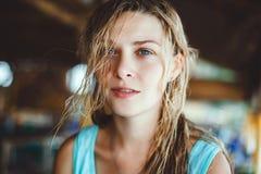 Jovem mulher do retrato, Imagem de Stock Royalty Free