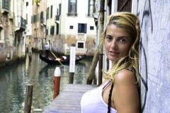 Jovem mulher em Veneza Itália Foto de Stock