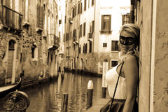 Jovem mulher em Veneza Itália Imagens de Stock