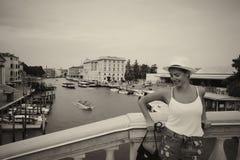 Jovem mulher em Veneza Itália Imagem de Stock