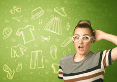Jovem mulher feliz com ícones dos vidros e da roupa ocasional Imagens de Stock