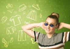 Jovem mulher feliz com ícones dos vidros e da roupa ocasional Imagem de Stock