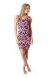 Jovem mulher que veste Mini Dress cor-de-rosa Imagem de Stock Royalty Free