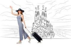A jovem mulher que viaja a spain para ver o familia de sagrada Foto de Stock Royalty Free