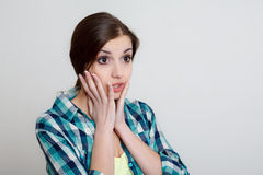 Jovem mulher surpreendida fotos de stock royalty free