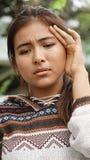 Joven femenino diverso y confusión Foto de archivo