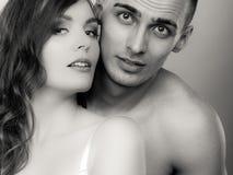 Jovens apaixonado no amor, mulher e homem Foto de Stock Royalty Free