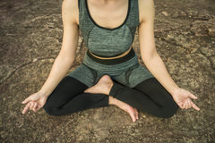 Jovens mulheres da ioga Imagens de Stock Royalty Free