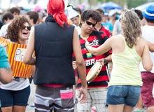 Jovens que têm o divertimento no carnaval do pessoa livre no Rio Fotografia de Stock Royalty Free