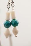 Joyas de plata con las piedras preciosas coloridas foto de archivo libre de regalías