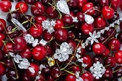 Joyas en las cerezas Imágenes de archivo libres de regalías