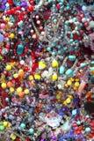Joyería colorida mezclada del plástico de las joyas de la joyería foto de archivo
