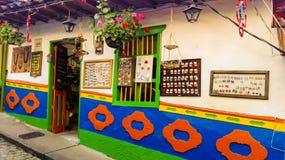 Joyería colorida y venta del arte fotografía de archivo libre de regalías
