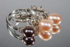 Joyería con las perlas Foto de archivo