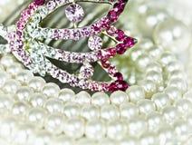 Joyería con las perlas Imagenes de archivo