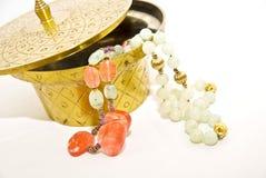 Joyería de cobre amarillo del envase/de traje Imagenes de archivo