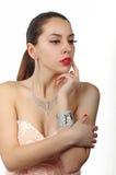 Joyería de la moda en el modelo de lujo 2 de la mujer Fotografía de archivo libre de regalías