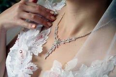 Joyería de la novia joven Imagen de archivo libre de regalías