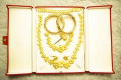 Joyería del contrato en la boda tailandesa Imagen de archivo libre de regalías