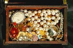 Joyería en pecho Imagen de archivo libre de regalías