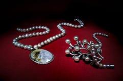 Joyería hecha de perlas Fotografía de archivo libre de regalías