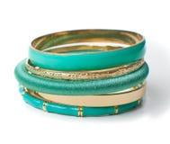 Joyería, las cinco pulseras de las mujeres elegantes, aisladas Fotos de archivo