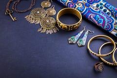 Joyería y accesorios indios femeninos Imágenes de archivo libres de regalías