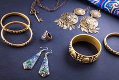 Joyería y accesorios indios femeninos Fotografía de archivo