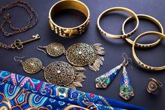 Joyería y accesorios indios femeninos Foto de archivo