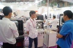 Joyería y jade que procesan ventas de la exposición de la maquinaria Foto de archivo libre de regalías