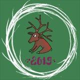 Joyeuse carte de Noël mignonne Le cerf commun de Santa se repose sur un fond vert, autour d'un cadre rond est une guirlande de No illustration de vecteur