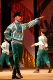 Joyeuses danses folkloriques russes de fête chorégraphie dans le style des vacances folkloriques Maslenitsa Photographie stock libre de droits