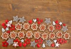 Joyeux Noël écrit sur des biscuits Images stock